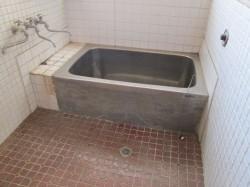 お風呂(補修が必要です)