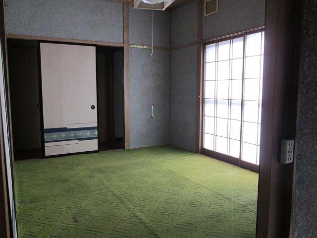 玄関横の和室