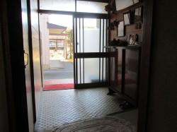 玄関(内側から)