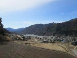 ウッドデッキからの眺め(分杭峠、美和湖)