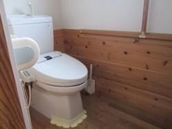 母屋 1階 ウォシュレット付き水洗トイレ