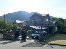 山が望める、広い庭付き日本家屋