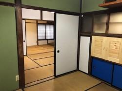 1階 居間から奥に2室を望む